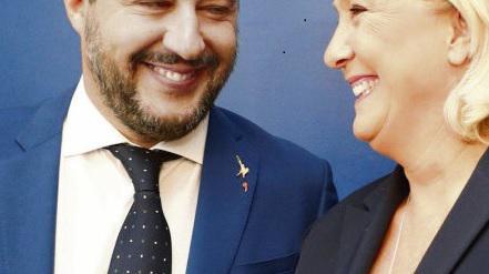 Руководители французских и итальянских ультраправых считают, что пришло их время. «История с большой буквы «И» будет написана в мае следующего года, во время общеевропейских выборов, - пророчила вчера Марин Ле Пен во время встречи с Маттео Сальивини в Риме