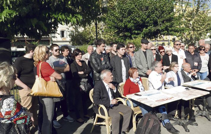 В четверг вечером «Корсика непокорённая», ФКП, «Manca Alternativa» и «Вместе!», несмотря на отказ Жана-Люка Меланшона их поддержать, провели митинг.