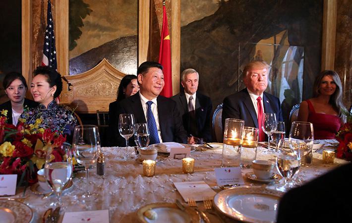Дональд Трамп вновь демонстрирует, что ему ничто не мешает нарушить любые законные и многосторонние рамки. Осуществив через голову ООН удары по Сирии, американский президент дал зелёный свет отправке атомного авианосца общего назначения USS-Carl-Vinson.