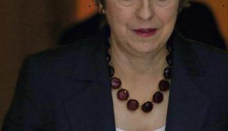 На это раз момент истины настал для Терезы Мэй. В ближайшие дни или недели карточный домик может развалиться в мгновение ока, увлекая за собой британского премьер-министра, опутанную трудностями переговоров о выходе Соединённого Королевства из Европейского Союза