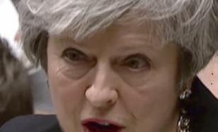 В бесконечных парламентских дебатах вокруг соглашения о выходе Великобритании из Евросоюза (Брекзит) произошёл новый поворот: теперь Тереза Мэй голосует против плана, который ранее она так настойчиво продвигала.