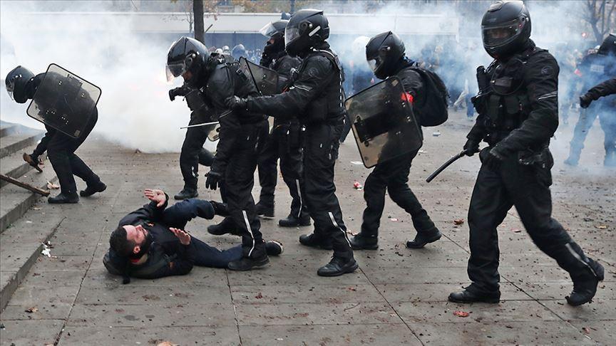 Грубая сила против народа – такую стратегию выбирает власть, когда попытки скрыть очевидное не приносят результата. Тревожный сигнал со стороны режима, нарушающего право граждан на участие в манифестациях.