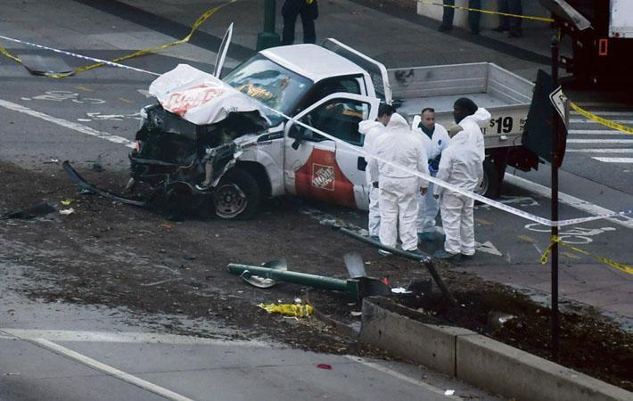 Впервые после 11 сентября 2001 года Нью-Йорк подвергся террористической атаке. Всё произошло во вторник, во второй половине дня