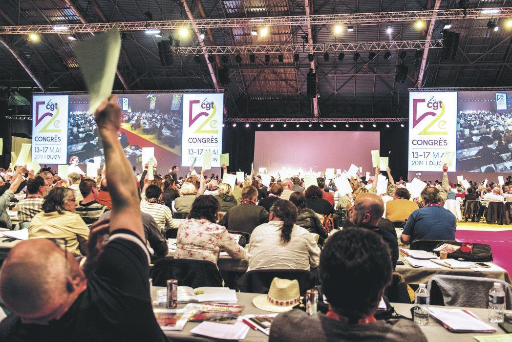В пятницу будет обсуждаться вопрос о переизбрании Филиппа Мартинеса, а делегаты съезда уже требуют воплотить в жизнь решения, принятые участниками форума, несмотря на некоторые разногласия.
