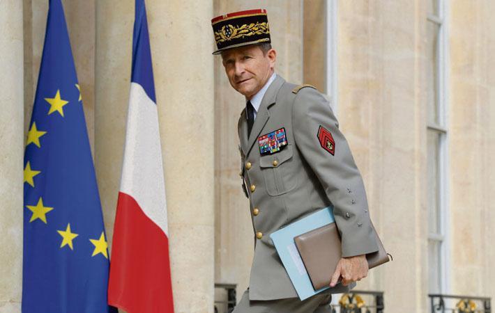 Со времени создания в 1962 году должности начальника Генштаба армии ещё не возникало подобной ситуации. Начальник Генерального штаба ВС Франции Пьер де Вилье подал вчера в отставку