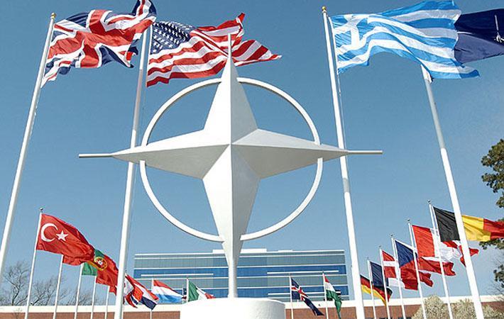 """«Стоп НАТО – 2017»Французская коммунистическая партия и """"Die Linke"""" приняли активное участие в «Стоп НАТО – 2017», невзирая на проходящие в их странах предвыборные кампании"""