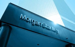 Американский банк Morgan Stanley, задача которого состоит в размещении государственных займов на финансовых рынках, обвиняется в том, что в 2015 году он «манипулировал курсом» государственного долга Франции. Разразившийся скандал заставляет в очередной раз задуматься о финансировании государств и о той роли, которая отводится гигантам банковской сферы.