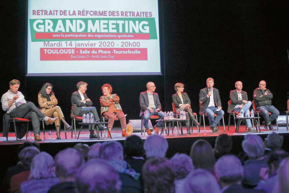 Сегодня французский Парламент начинает дебаты по пенсионной реформе. Объединившие свои усилия социалисты, коммунисты и «непокорённые» готовы выступить в авангарде борьбы, которую продолжают трудящиеся, требующие отмены проекта.