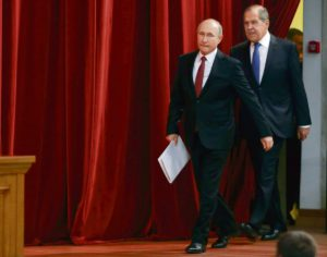 Автор Вторых Минских соглашений, Сергей Лавров, сохранивший пост министра иностранных дел после масштабных перестановок в правительстве РФ, вот уже шестнадцать лет является лицом российской дипломатии.