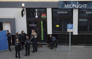 Девять человек погибло в результате теракта, произошедшего в немецком городе Ханау, расположенном в 20-ти километрах от Франкфурта-на-Майне. Почти все жертвы по происхождению мигранты. Это уже третье нападение за последний год, произошедшее в условиях нездоровой политической обстановки и распространения националистических идей.
