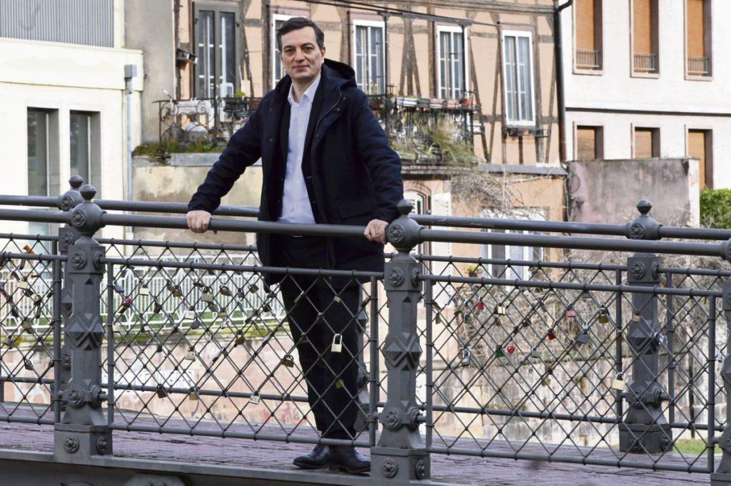 Сторонники Макрона рассчитывали получить поддержку в столице Эльзаса, но предвыборную кампанию их кандидата Алена Фонтанеля осложнил ажиотаж, возникший вокруг совместного списка партий «Европа Экология Зелёные» и ФКП.