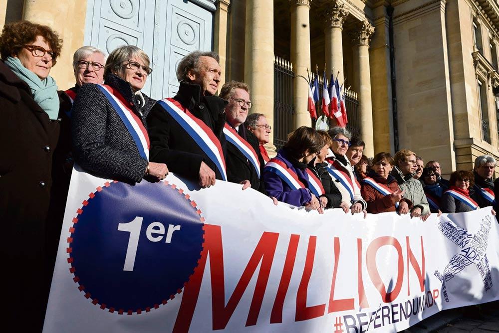 Необходимое количество подписей для проведения референдума по вопросу о приватизации Les Aeroports de Paris (ADP) собрать не удалось, однако миллион человек, отдавшие свои голоса в поддержку этой идеи, - это безусловный успех, с которым исполнительной власти придётся считаться.