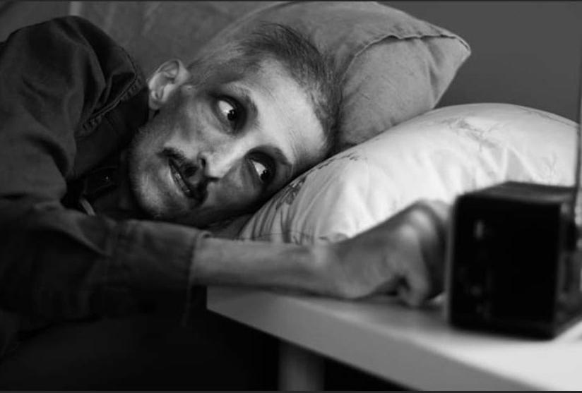 Бас-гитарист турецкой группы Grup Yorum на 26 апреля вот уже 314 дней держит голодовку. Он сильно похудел и сейчас весит не больше 40 кг. По сути, он находится на пороге смерти. Тем не менее он написал и передал письмо в редакцию «Юманите». В письме он говорит об обвинениях, которые ему предъявляют, рассказывает о своей борьбе и надежде. Он вспоминает о своём друге, певице Хелин Бёлек, тоже объявившей голодовку и скончавшейся 3 апреля. Пронзительные и ужасные вещи.