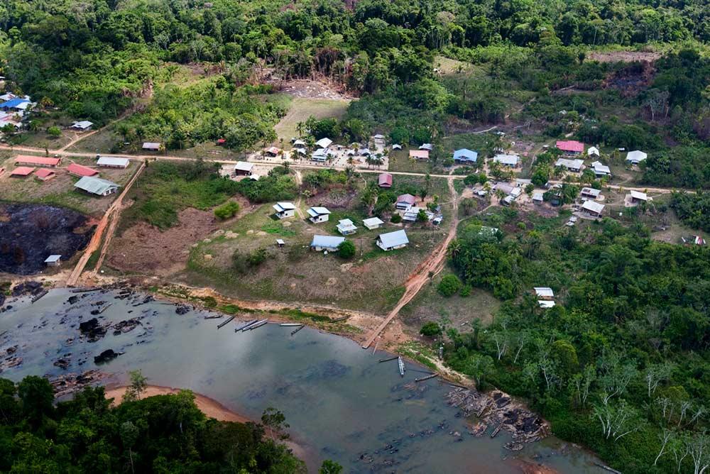 Возмутительно! Спустя год после того, как правительство отказалось от проекта «Золотая гора», комиссия по Гвианским рудникам в самый разгар санитарного кризиса одобряет новый проект гигантских разработок.