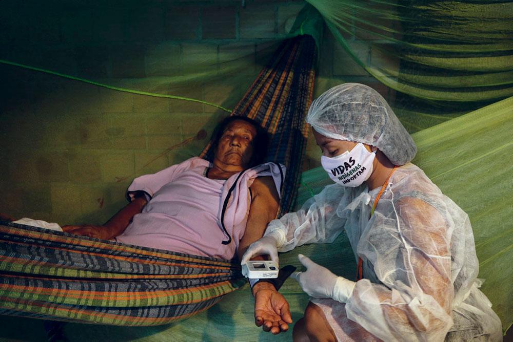 Представители аборигенных народностей всегда были особенно уязвимы перед социальными, экономическими и санитарными проблемами. Сегодня они страдают от пандемии. К кризису коронавируса добавляются участившиеся преступные посягательства на окружающую среду.
