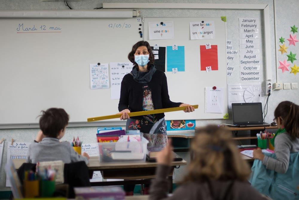 Странные условия поставило правительство при возобновлении школьных занятий, например, избегать любой полемики по поводу роли и действий правительства…