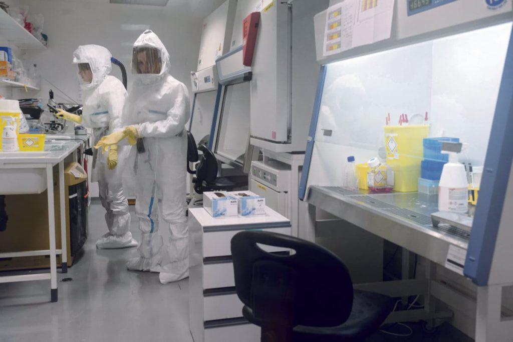 В то время, когда на французские медицинские исследования возлагаются большие надежды, сенатор Пьер Узульяс изобличает нехватку средств в сфере научных исследований.