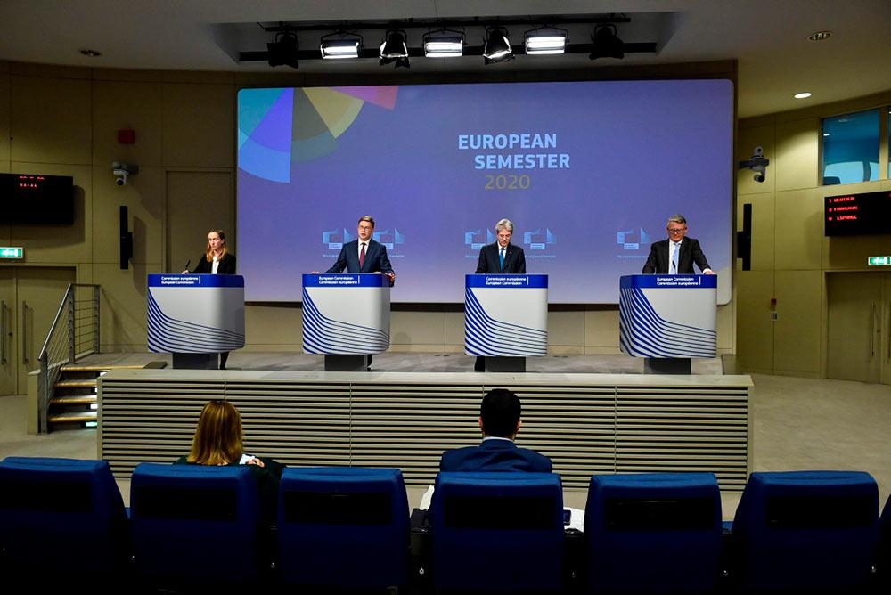 Озвучивая ежегодные «рекомендации» для стран-членов ЕС, Еврокомиссия с сожалением отметила негативные последствия тех мер, принципы которых она ценит так высоко.