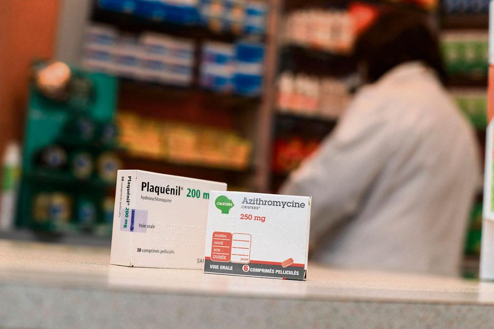 Результаты масштабного международного исследования, опубликованные в медицинском издании The Lancet, свидетельствуют о неэффективности этого вещества в борьбе с вирусом. Более того, похоже, что использование хлорохина и гидроксихлорохина даже повышает риск смерти.