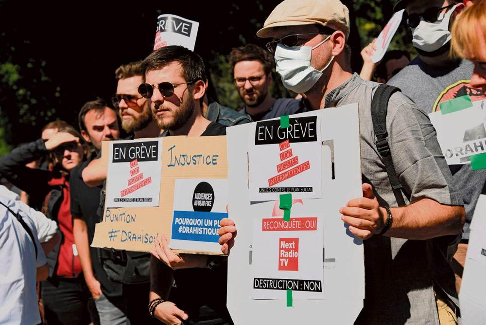 Сотрудники холдинга NextRadioTV, дочерней структуры Altice, начали беспрецедентную забастовку против намеченного масштабного сокращения рабочих мест – такова плата за реализацию рискованной стратегии.