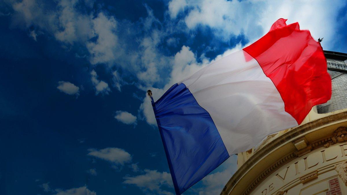В Тулузе, Нанте и Монпелье прошли совещания представителей левых сил, посвящённые созданию единого фронта борьбы против кандидатов от правых на муниципальных выборах 28 июня. Не везде переговоры увенчались успехом.