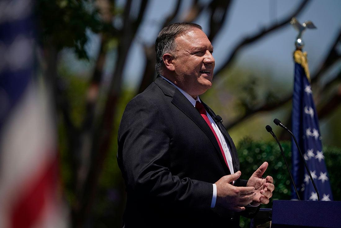 В Китае вышло распоряжение о закрытии американского консульства в Чэнду. Это решение последовало за закрытием китайского дипломатического представительства в Хьюстоне, которое Вашингтон назвал центром «шпионажа» и «воровства интеллектуальной собственности».