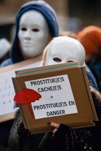 В 2016 г. во Франции вступил в действие закон, по которому занятие проституцией не является правонарушением, незаконным является лишь «потребление» этих «услуг». Теперь 13 общественных организаций представили свой доклад, показывающий недостаточность такого закона.