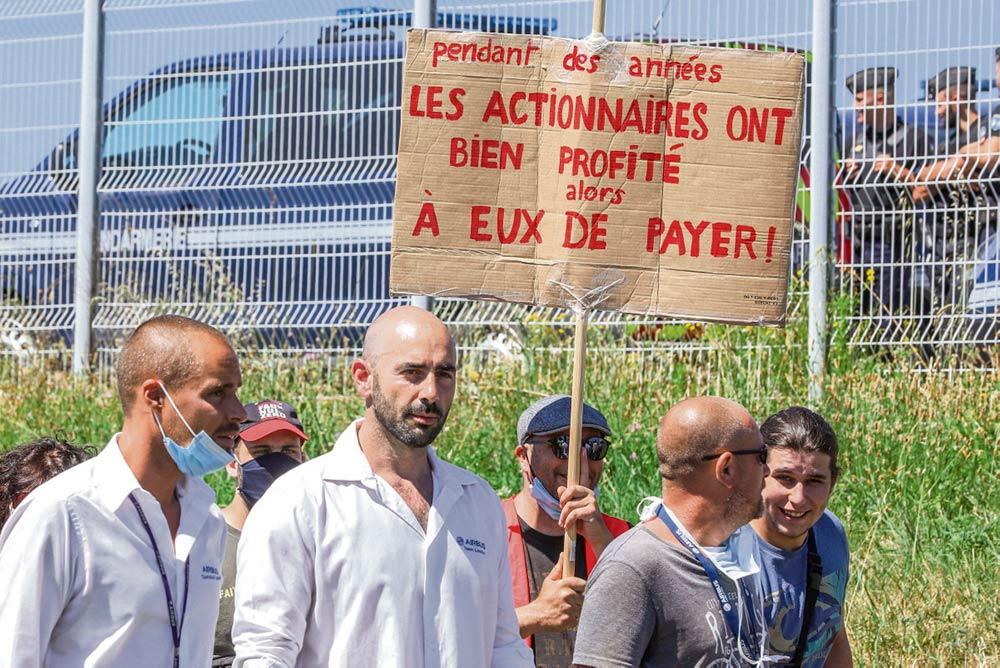 8 июля 8 000 работников авиастроительной компании Airbus и примкнувших к ним провели манифестацию в Тулузе. Профсоюзы «Рабочая сила», ФДКТ, CFE-CGC хотят смягчить удар от оптимизации и не допустить массовых увольнений. Профсоюз ВКТ, выступающий против плана, считая, что в его основе лежат только финансовые соображения, присоединился к акции протеста.