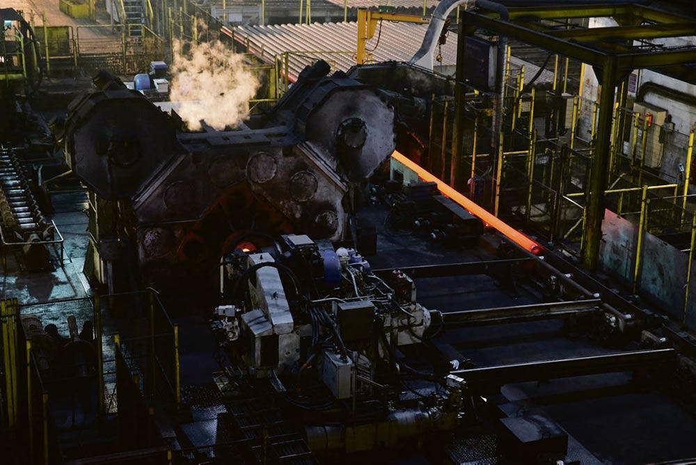 В пятницу суд должен вынести решение о перспективах металлопрокатного производства в Мозеле, будущее которого связано с судьбой сталелитейного завода, находящегося на севере страны. Министерство экономики и профсоюзы выступают за их совместную продажу.