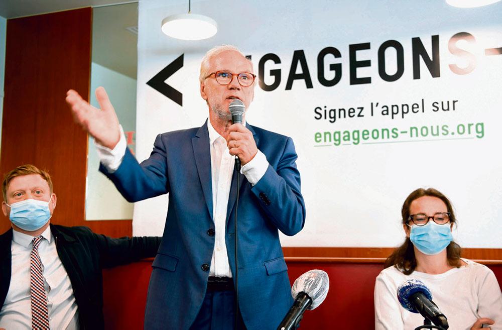 В понедельник бывший генеральный редактор газеты «Libération» открыл собственное политическое движение, «les Engagés», чтобы возродить «левых-реалистов». Несмотря на все отговорки, многие видят здесь руку Франсуа Олланда.