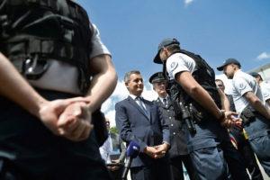 «Одичание», оправдание насилия… Министр внутренних дел Франции идёт на всё, чтобы обеспечить себе поддержку полиции и привлечь на свою сторону ультраправый электорат.