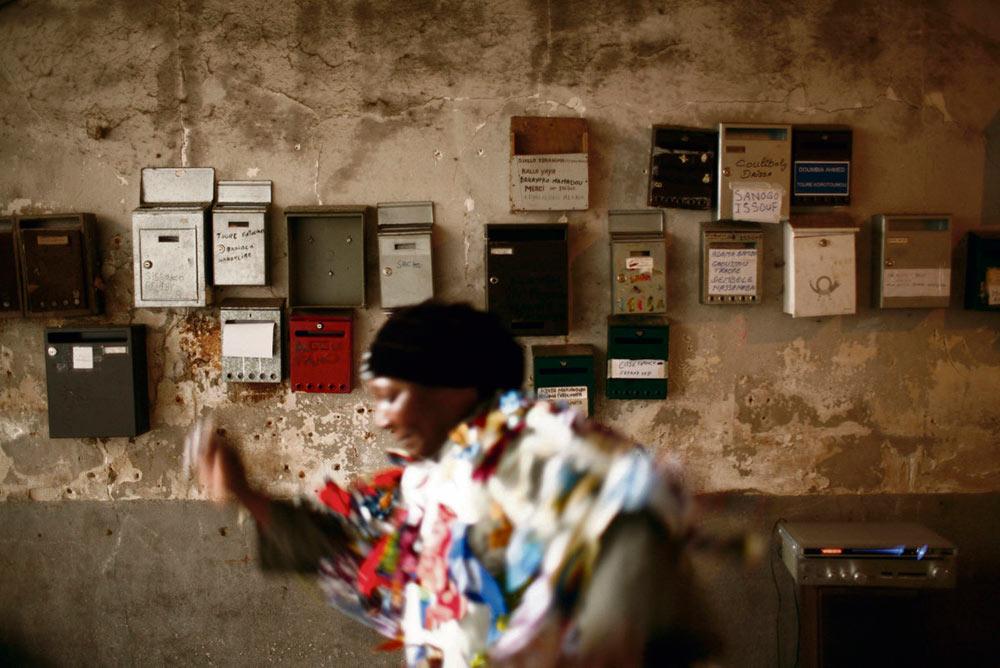 В январе будущего года вступит в силу указ, который должен упорядочить меры, направленные на борьбу с неудовлетворительными жилищными условиями. Корреспонденту L'Humanité удалось ознакомиться с этим документом. Как выяснилось, он ограничивает возможности нанимателей жилья и преподносит ряд приятных сюрпризов собственникам.