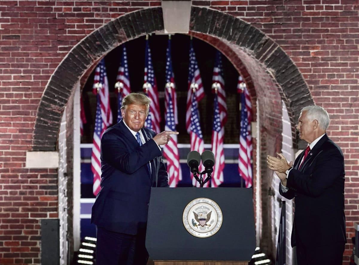 Предвыборный съезд Республиканской партии закрепил захват власти президентом-националистом и господство его идеологии. В рядах партии, основанной Авраамом Линкольном, больше нет ни дебатов, ни оппозиционеров – есть только вождь Дональд Трамп.