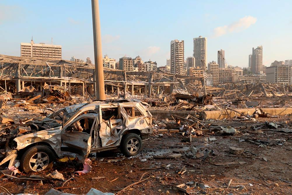 Президент Франции предпринимает действия по организации помощи Ливану, но он рассчитывает воспользоваться этой помощью в качестве инструмента в большой геополитической игре.