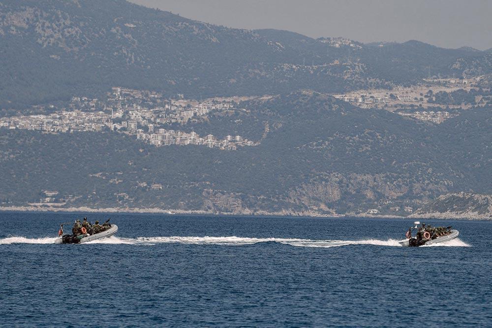 Конфликт между Турцией и Грецией по поводу морских границ породил эскалацию опасных высказываний и гонку вооружений, которая не может не вызывать обеспокоенности. Рассчитывая на добычу природного газа на морском шельфе, Эрдоган мечтает вывести Турцию на ведущие позиции в восточном Средиземноморье.