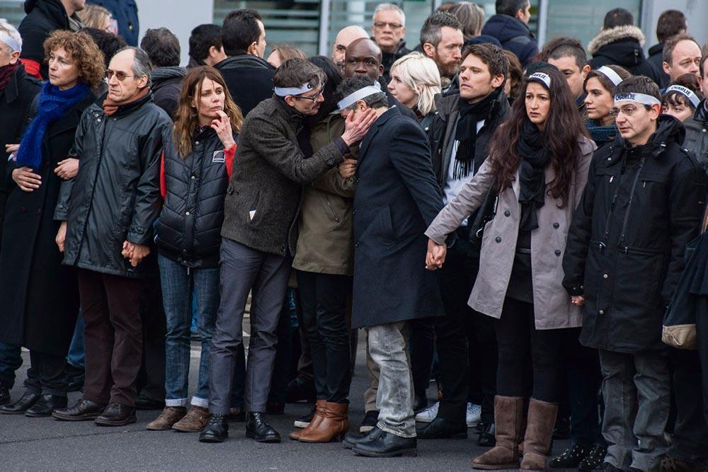 Процесс по делу о терактах в Charlie Hebdo и Hyper Cacher открылся 2 сентября. По истечении 49 дней судебных заседаний будет вынесено решение по 14 подследственным, которым выдвигаются обвинения в содействии террористам. Ключевой момент в процессе коллективного переживания трагических событий января 2015 года.