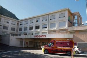 В понедельник, после нескольких месяцев протестов, пациенты и сотрудники вернулись на ночные дежурства в отделение скорой медицинской помощи. Но на какой срок – непонятно. Ведь врачей катастрофически не хватает.