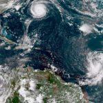 На Атлантику обрушились ураганы
