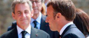 В 2000 году французы одобрили на референдуме переход от семилетнего президентского мандата к пятилетнему. Через двадцать лет случилось то, чего боялись противники таких изменений.
