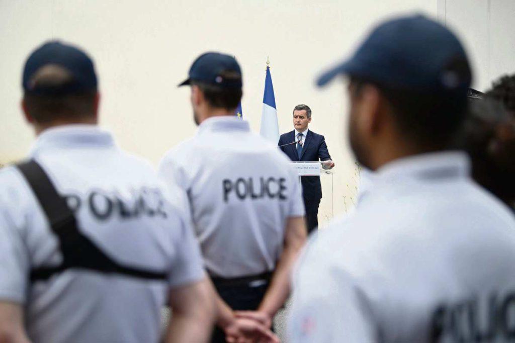 Большинство французов снова высказываются за смертную казнь. К такому выводу пришла кампания Ipsos после проведения опроса, данные которого были опубликованы 15 сентября и вызвали бурную реакцию. В ответ на озабоченность правительства проблемой преступности «непокорённые» организовали конференцию, полностью посвящённую этой теме.
