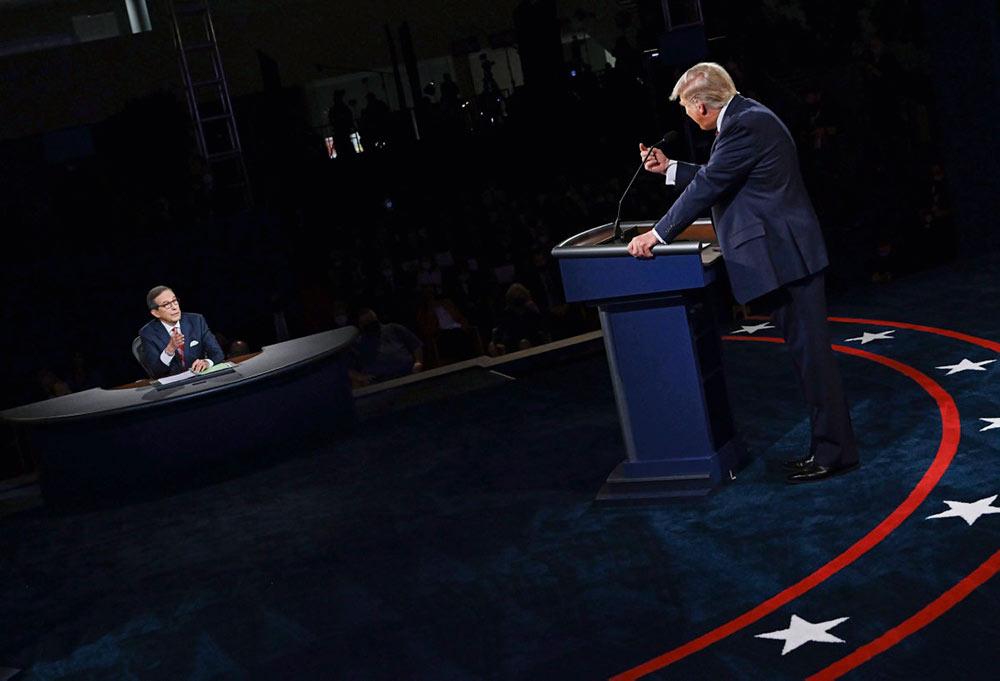 Отказываясь осудить в ходе первых президентских дебатов экстремистскую группу Proud Boys, миллиардер окончательно показал себя поборником белого национализма.