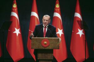 Турецкий президент использует религию в качестве инструмента для достижения своих целей. За его слова в адрес Макрона отчётливо видны региональные амбиции Анкары и геополитические разногласия с Парижем, особенно по вопросу Восточного Средиземноморьем и Армении.