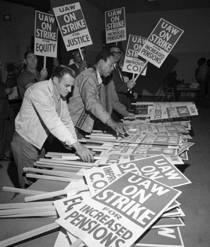 В 1970 году компания General Motors (GM), крупнейший мировой производитель автомобилей, был работодателем для более чем 620 000 человек. Всё, что происходило внутри гигантской корпорации, касалось всей страны. Беспрецедентная по масштабам и продолжительности акция протеста началась как гром среди ясного неба. Она высветила все противоречия профсоюзного движения в Соединённых Штатах.