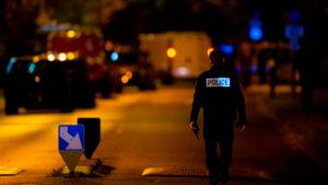 16 октября, в городе Конфлан-Сент-Онорин (департамент Ивлин) обезглавили учителя истории и географии 47-летнего Самюэля Пати. В соседнем городке Эраньи (департамент Валь-д'Уаз) полиция задержала подозреваемого, который получил тяжелые ранения и вскоре скончался. Прокуратура по борьбе с терроризмом завела дело по фактам «убийства, связанного с терроризмом», и «существования террористического преступного сообщества».