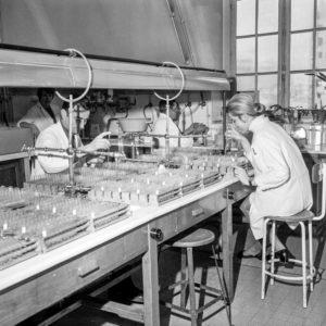 Эта болезнь поразила Францию зимой 1969 года. За два месяца она незаметно унесла жизни более 31 000 человек. Однако гонконгский грипп стал основой для предотвращения будущих эпидемий.