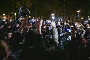 Они восклицают: «Вперёд, Республика!». А сами «уничтожают Республику» - таково мнение депутата от ФКП Стефана Пё. Во вторник большинство депутатов Национальной ассамблеи(388 голосов «за»,104 – «против», 66 воздержались) сказали «да» закону о глобальной безопасности.