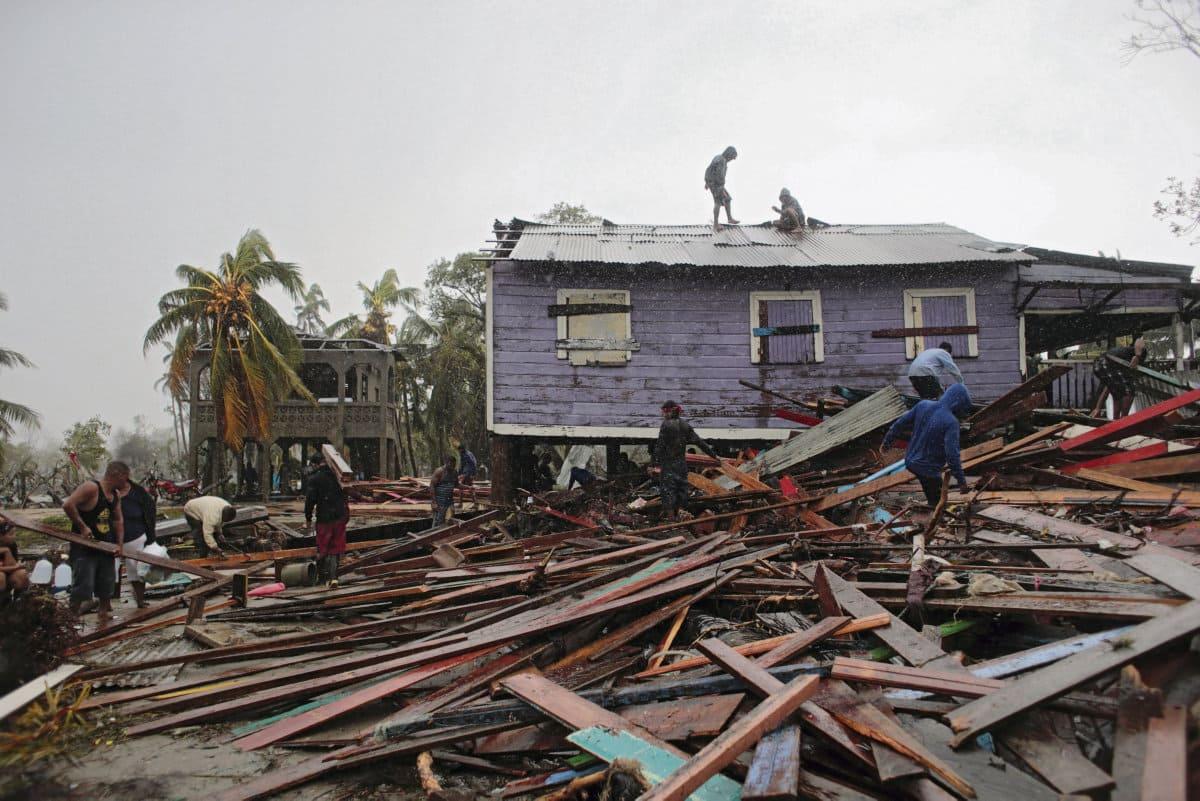 Ураган «Йота», обрушившийся на Никарагуа и Гондурас, стал тринадцатым по счёту ураганом, накрывшим Центральную Америку с начала сезона. Разбушевавшаяся стихия делает экономически уязвимые страны ещё более слабыми.
