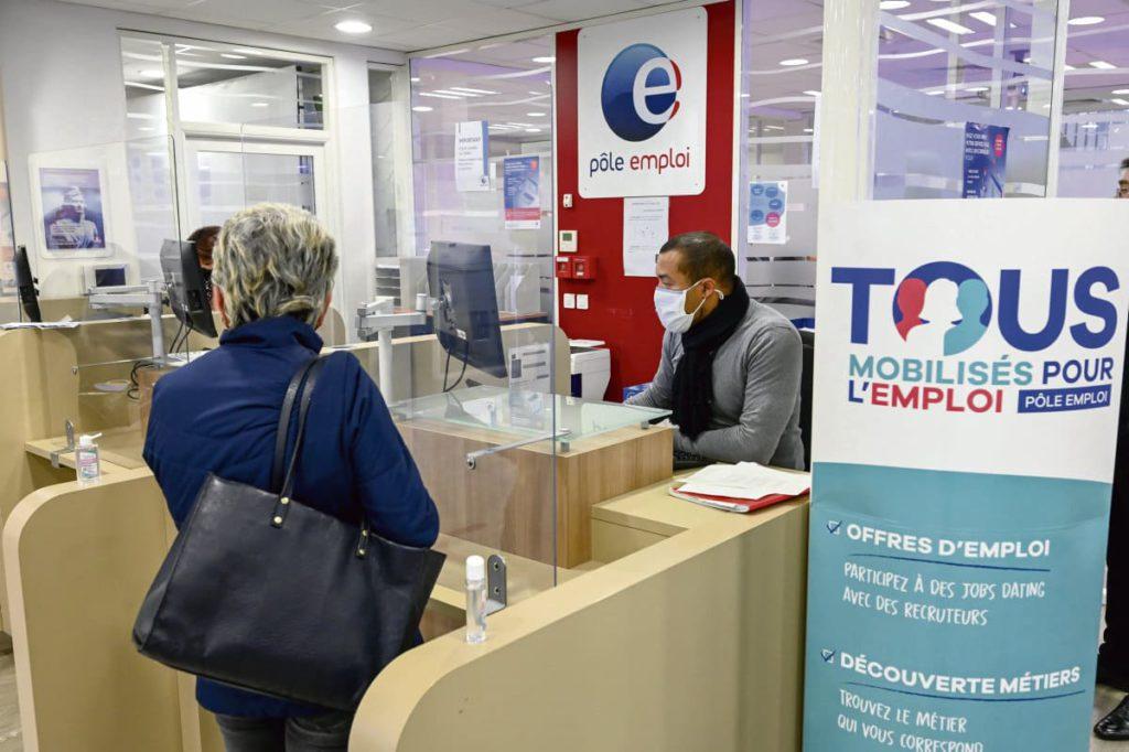 В результате обращения профсоюзов ВКТ, FO, CFE-CGC и «Солидарные» Государственный совет установил, что реформа страхования по безработице ущемляет права людей.