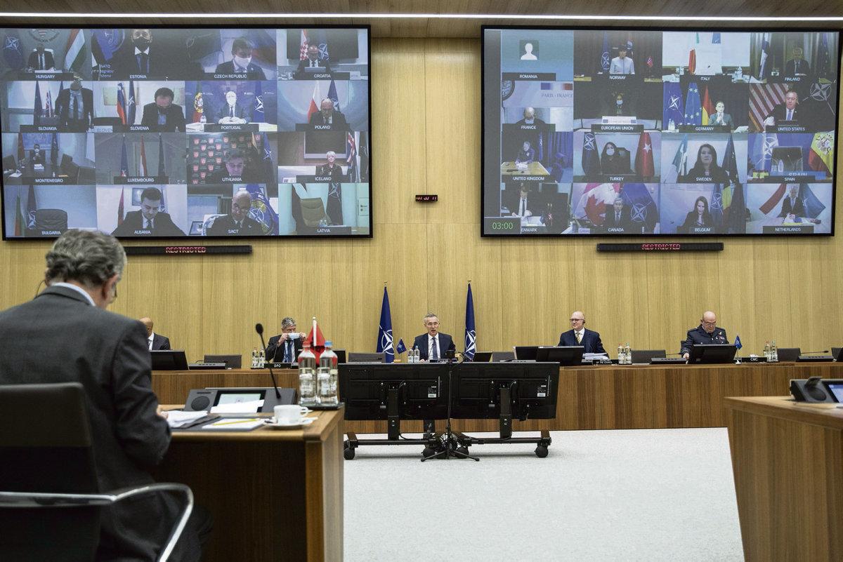 В течение двух дней министры иностранных дел стран-членов НАТО обсуждали будущее Североатлантического Альянса и роль Турции в этом союзе. Россия по-прежнему остаётся под пристальным вниманием.