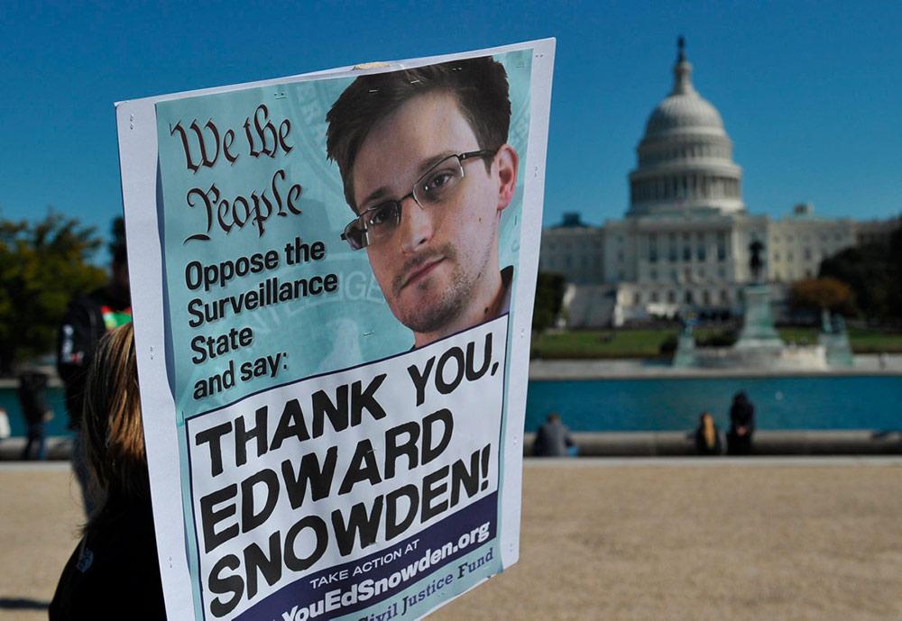 10 лет назад Wikileaks громко заявила о себе, опубликовав огромное количество конфиденциальных экономических и политических документов. Общество не оценило оказанные ему услуги, и с тех пор репрессии на информаторов усилились. Всевозможные ограничения и нарушения прав стали нормой.